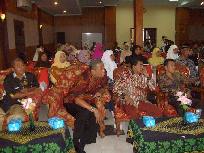 Pimpinan DPRD (M.Bowo Leksono, SH, MH), Ismet Inonu, SH, MH bersama Peserta Musda PKS Kota Pkl