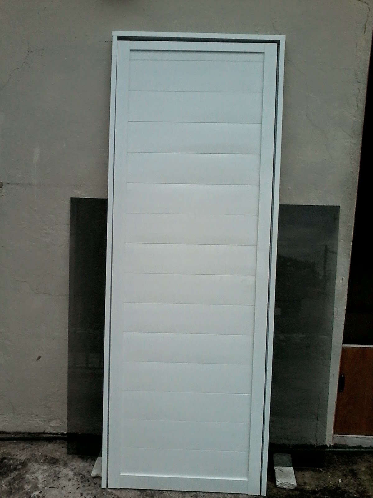 Imagenes de puertas para ba o de aluminio for Puertas de aluminio para bano