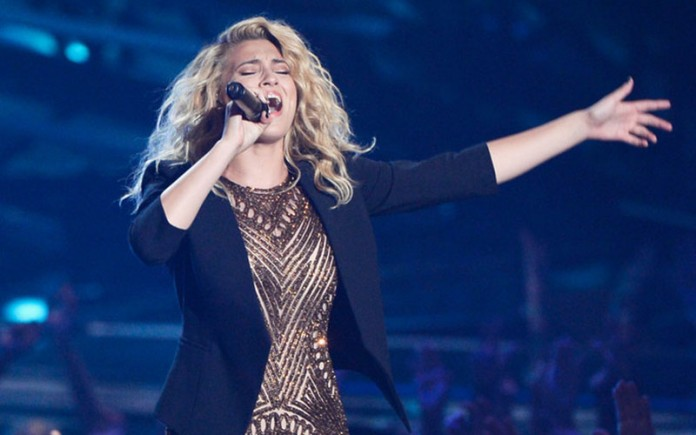 Tori Kelly MTV VMAs performance