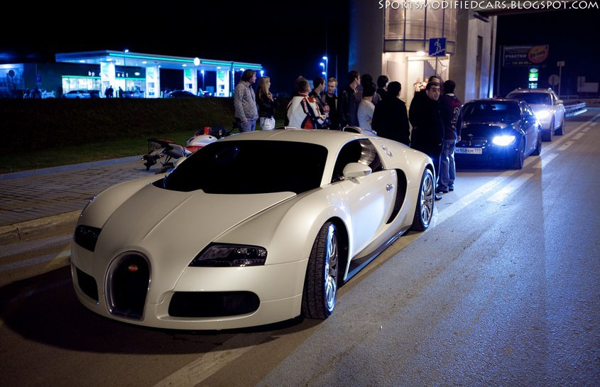Bugatti Veyron vs Nissan GT-R R35 ~ Sports & Modified Cars on gt-r vs laferrari, gt-r vs mclaren p1, gt-r vs lamborghini gallardo, car world bugatti veyron, gt-r vs evo, gt-r vs police, gt-r vs corvette, nissan skyline racing bugatti veyron,