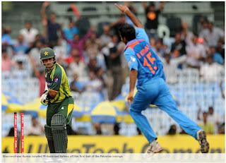 Bhuvneshwar-Kumar-bowled-Mohammad-Hafeez-India-v-Pakistan-1st-ODI-2012