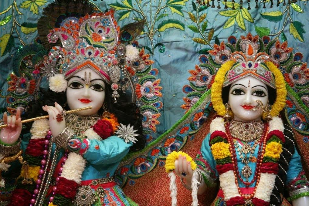 Close View of Sri Sri Radha Vrindavana Chandra