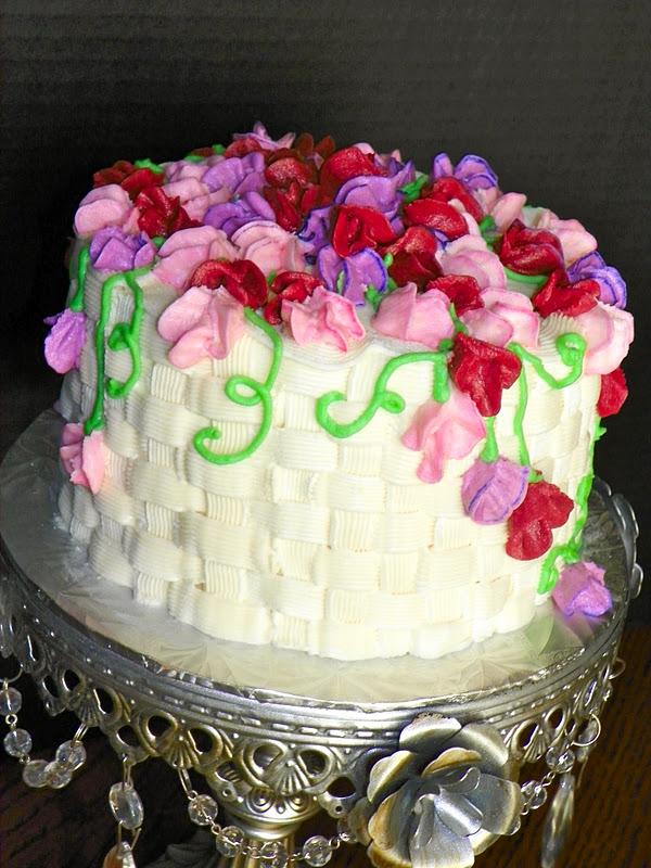 Plumeria Cake Studio Sweet Pea Cake And Cupcakes