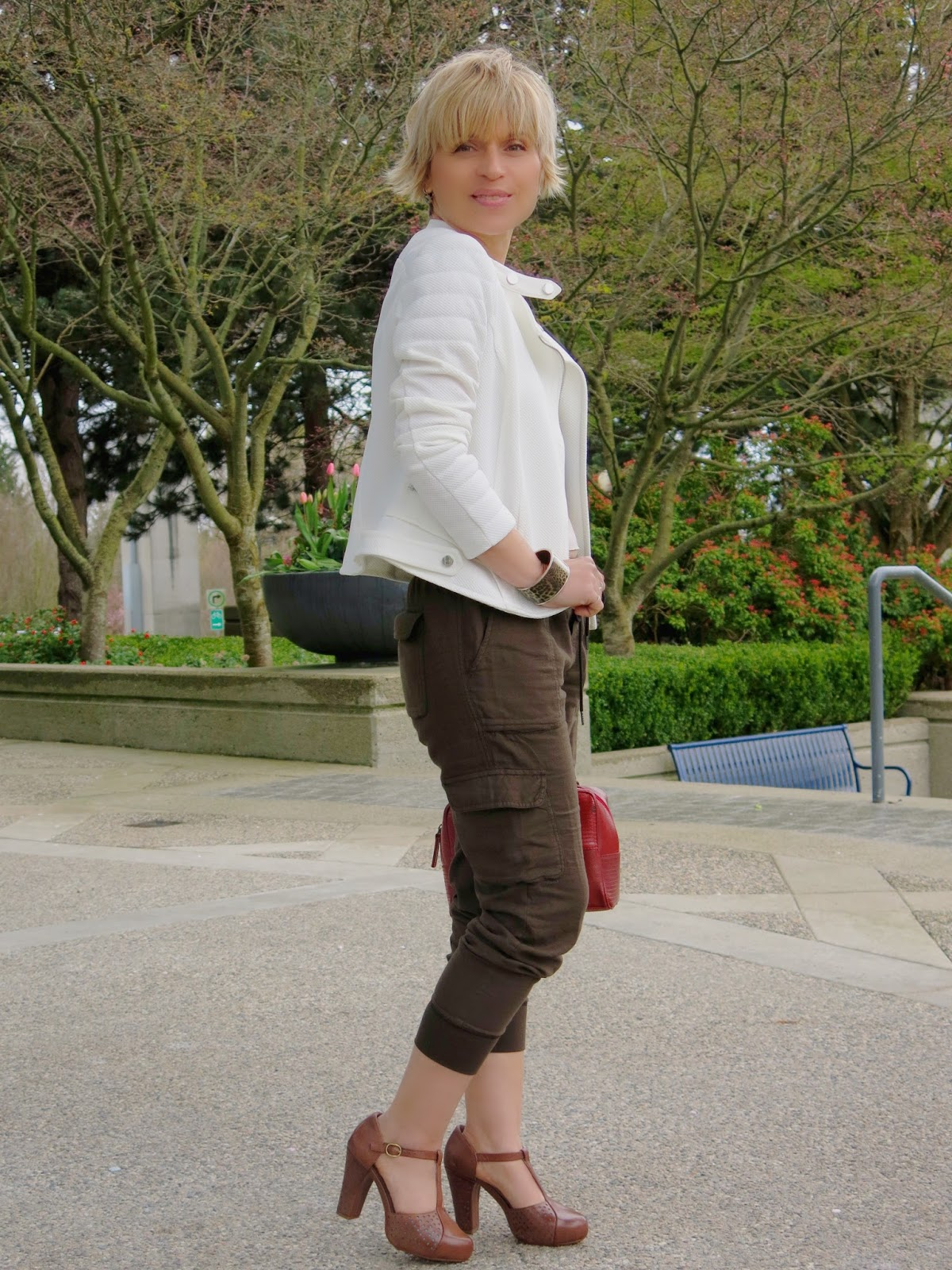 styling slouchy cargo pants with a moto jacket