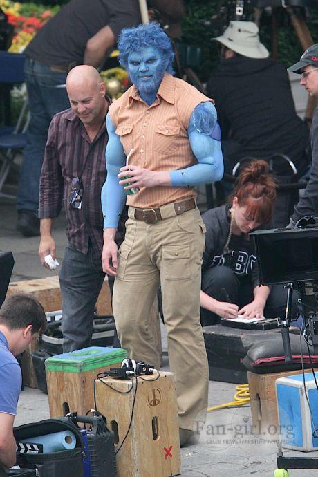 Michael Fassbender y Nicholas Hoult como Magneto y Bestia en X-Men: Días del Futuro Pasado