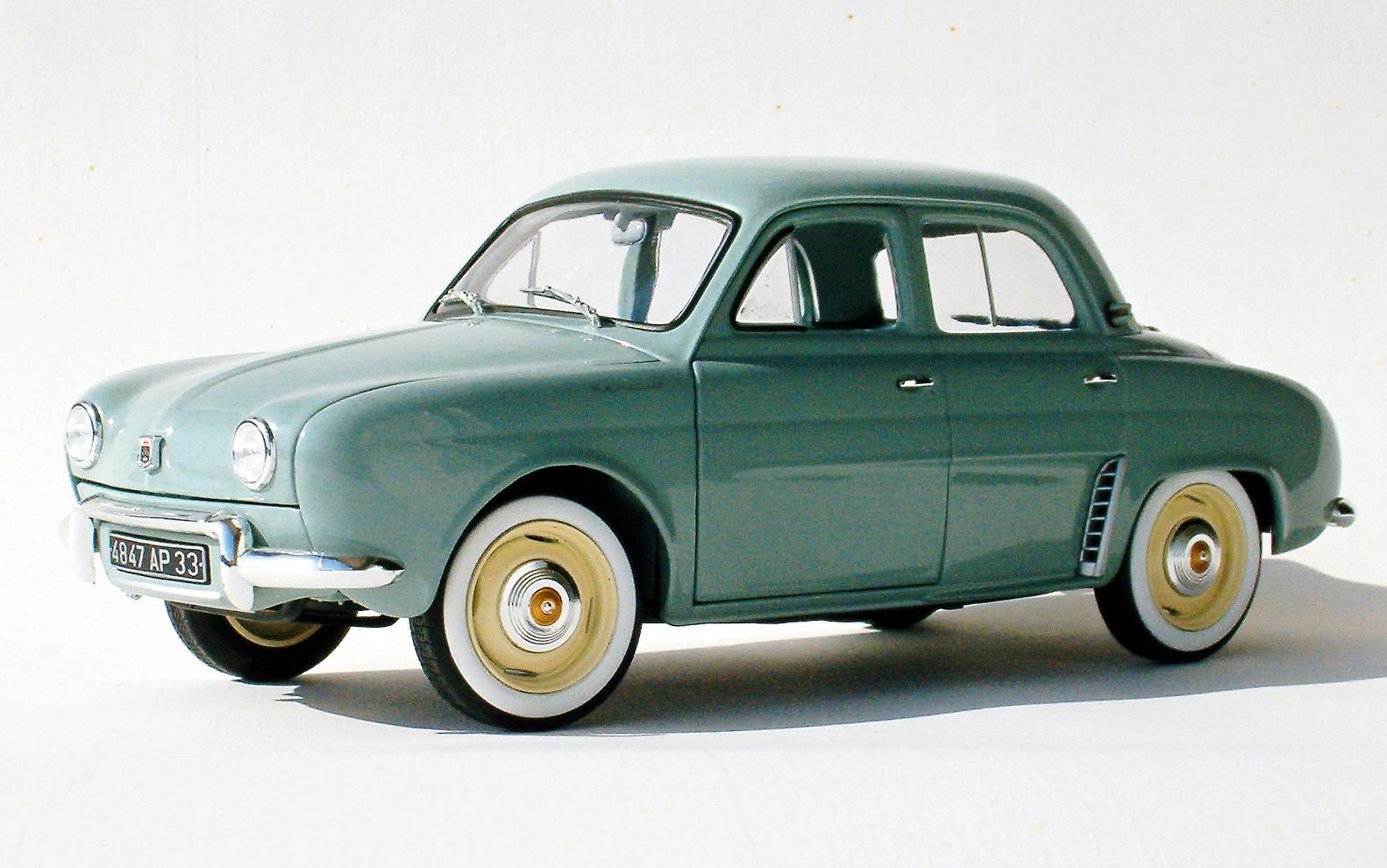 retromobile em 1 18  renault - dauphine - 1961