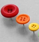 http://ememanualidades.com/tachuelas-con-botones/