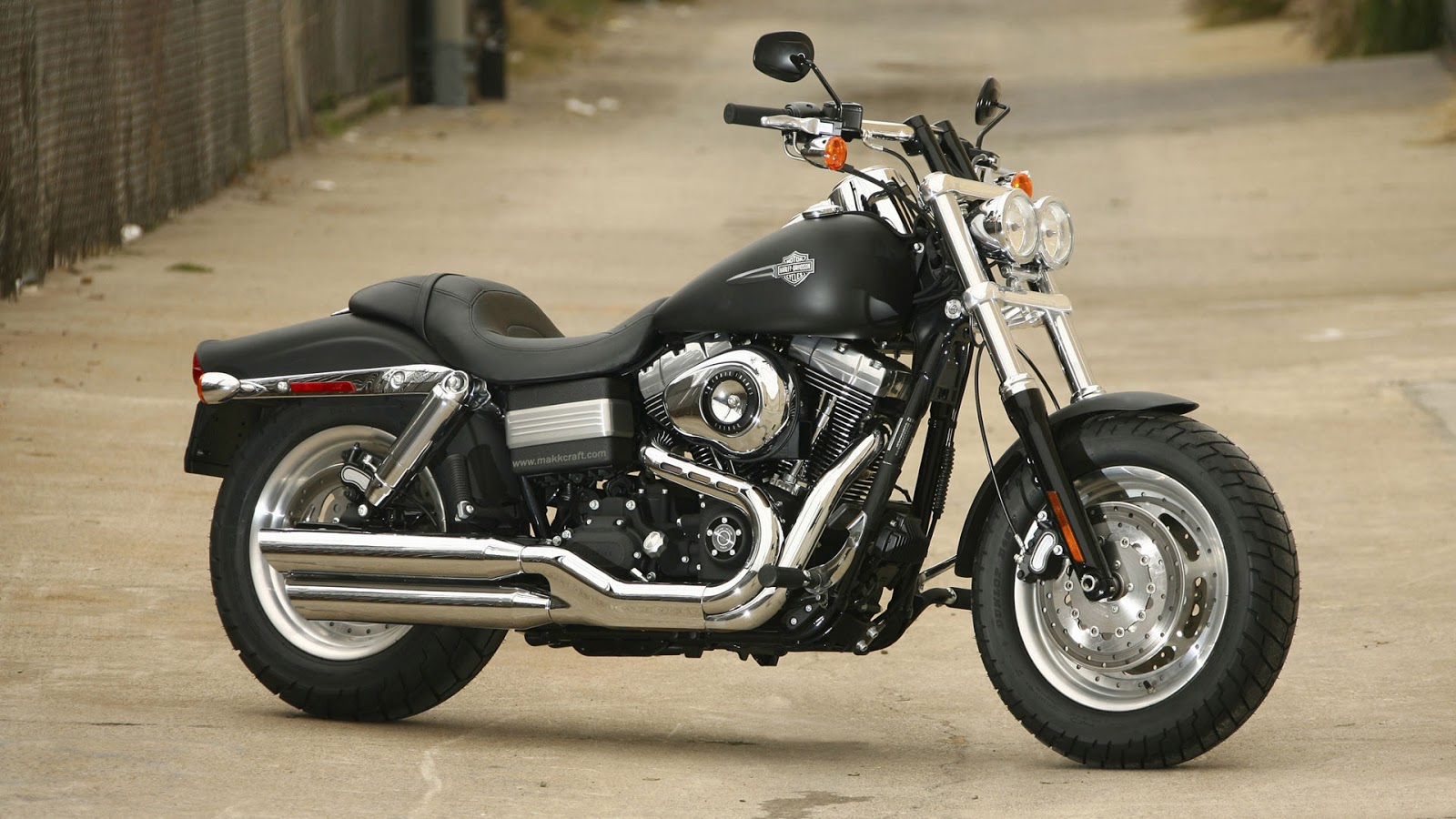 harley davidson fat bob hd wallpapers high definition free background. Black Bedroom Furniture Sets. Home Design Ideas