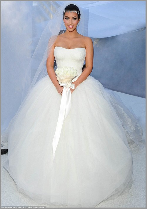 Celebrity modeling kim kardashian 39 s wedding gowns dress for Vera wang princess ball gown wedding dress