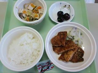 写真:パルス入院1クール6日目の昼食