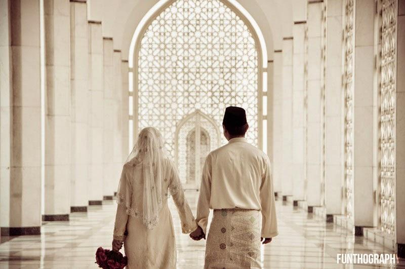 13 Adab Isteri Terhadap Suami Yang Perlu Diamalkan Untuk Kemanisan Rumahtangga