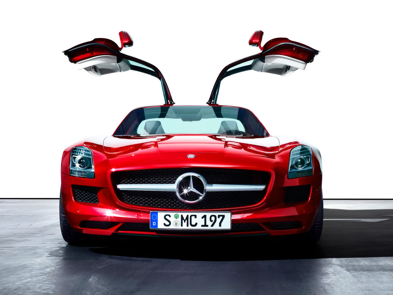 Sports car world meet your desires mercedes sls amg for Mercedes benz sports car amg