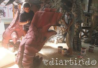 Patung Roshan dalam Lomba World Of Gaming dengan styrofoam