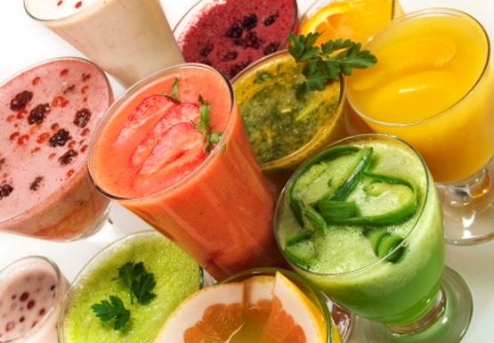 Zdrowe soki oczyszczające na lato
