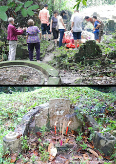 Families in Bukit Brown during Qing Ming