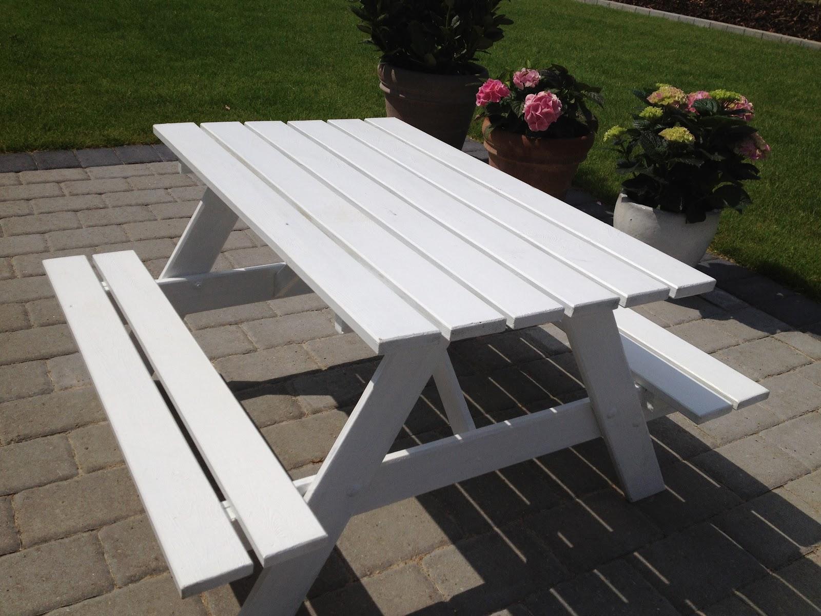 lille bord til haven
