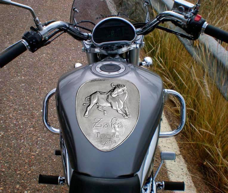 Placa depósito moto custom (Zaka) | ArteyMetal