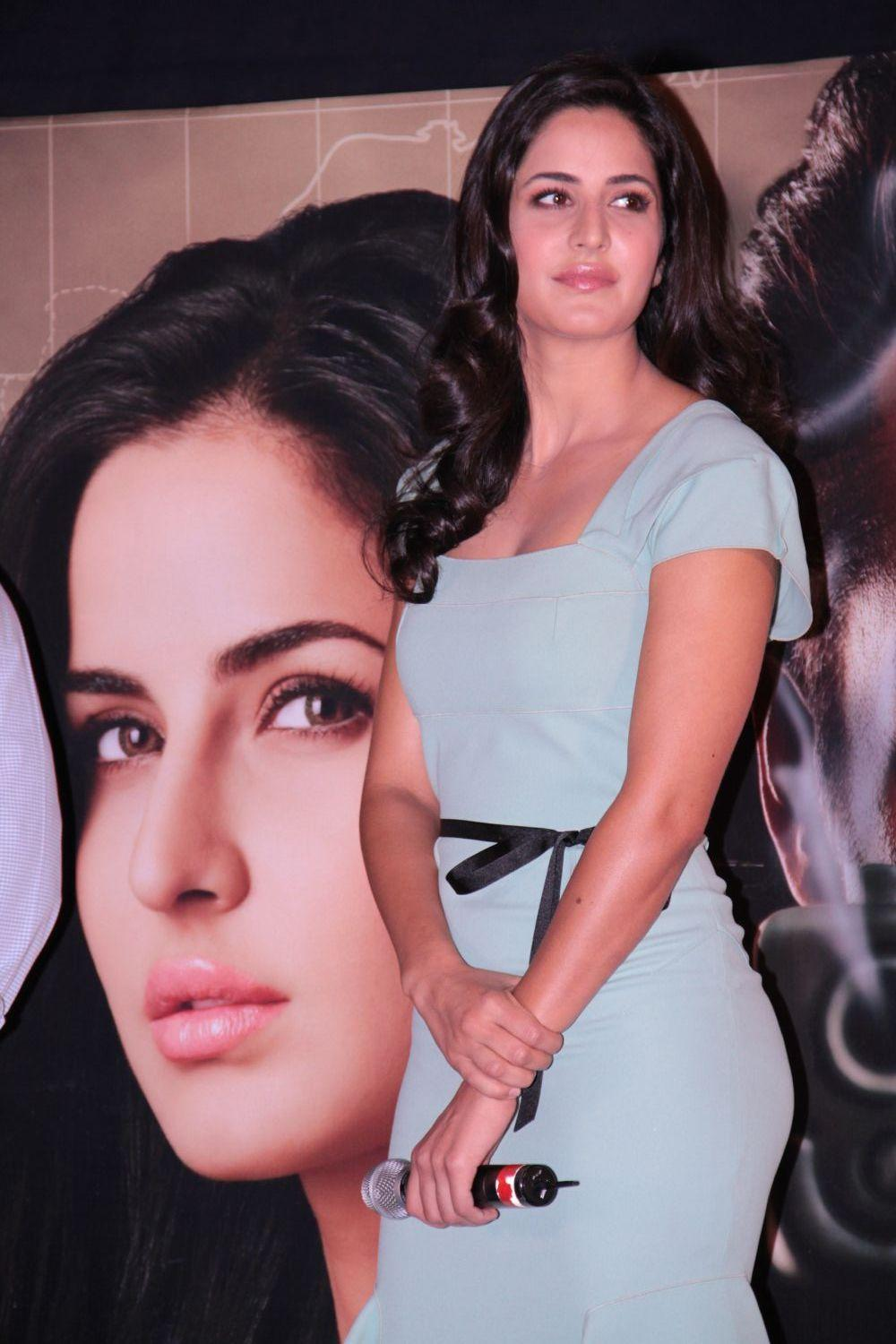 "katrina kaifsalman khan promoting ""ek tha tiger"" at mumbai. glamour  images"