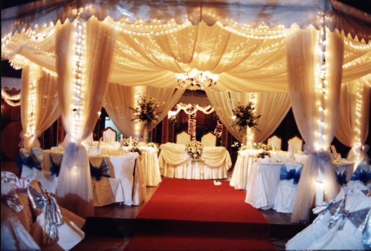 New wedding recetion wedding reception ideas for Wedding hall decoration items