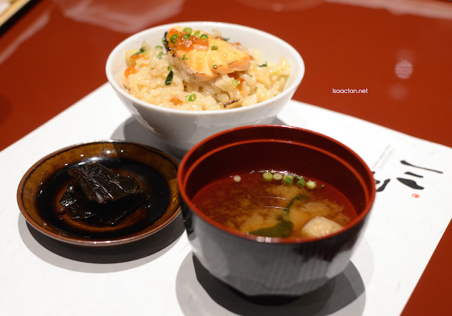 Shokuji Set, consisting of rice, miso soup and pickles