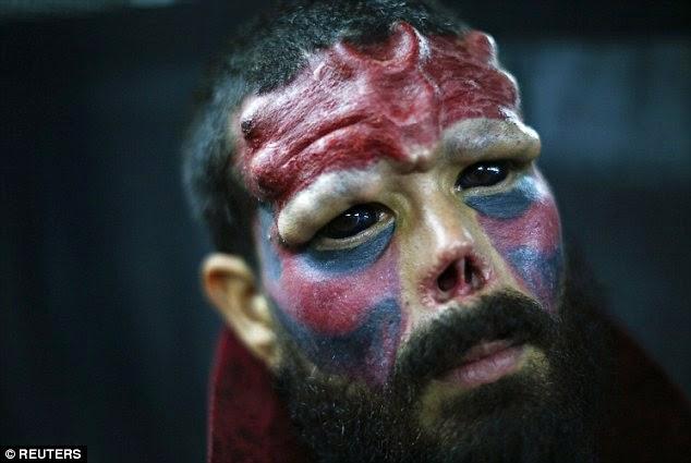 Венецуелец известен с прозвището Red Skull. Сами виждате отрязания нос. Коментарът оставяме на вас