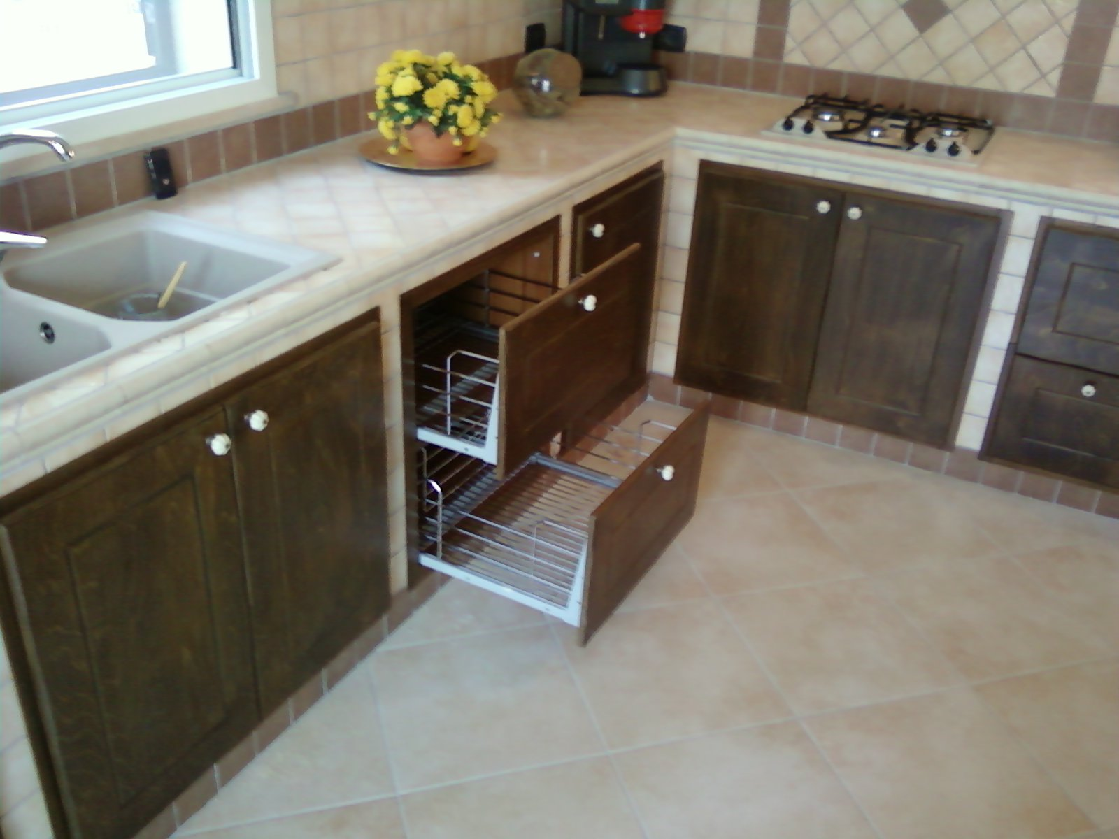 Fai da te hobby legno cucina in muratura - Cucina componibile fai da te ...