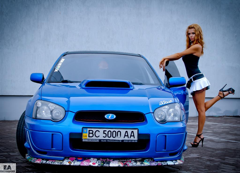 Subaru Impreza WRX STi GD, kobieta i auto, foto