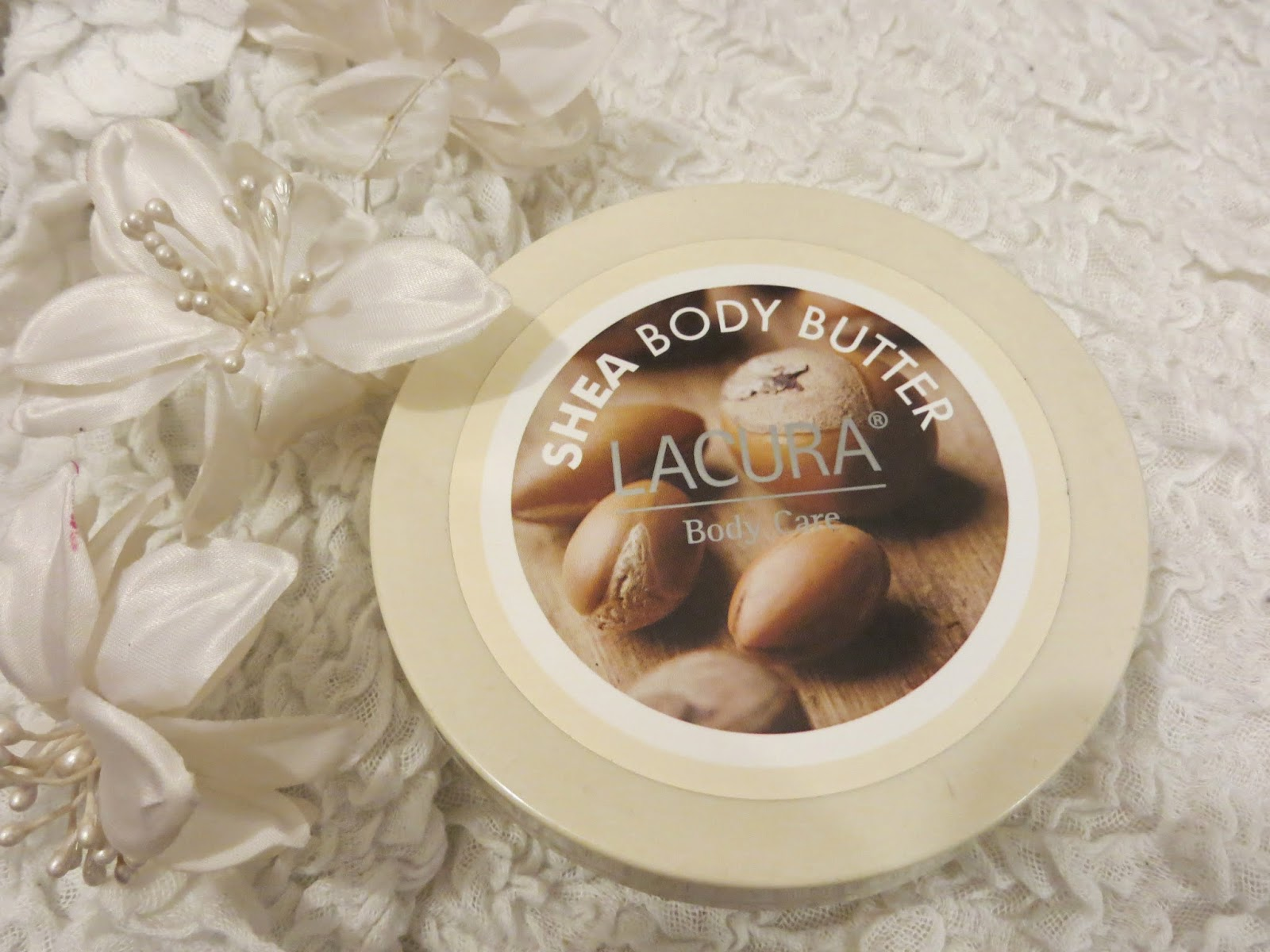 Review, Cheap skincare, Cheap, Lacura, Body Butter, Body Shop, Skin, Skincare, Body, Shea, Moisturiser, Blogger, Pretty
