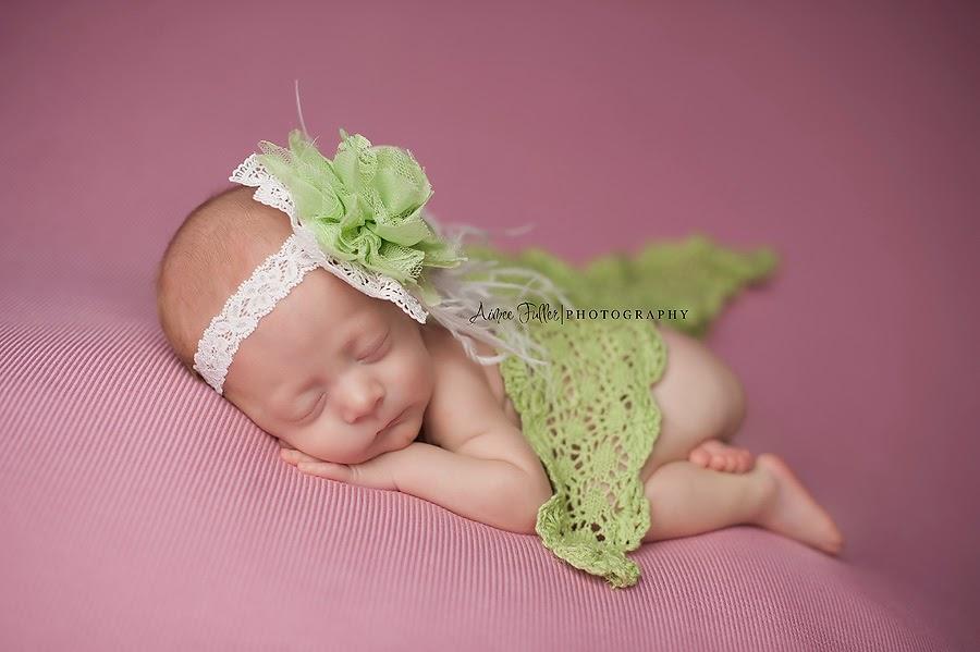 Meet chloe pearland texas newborn baby photographer portraits