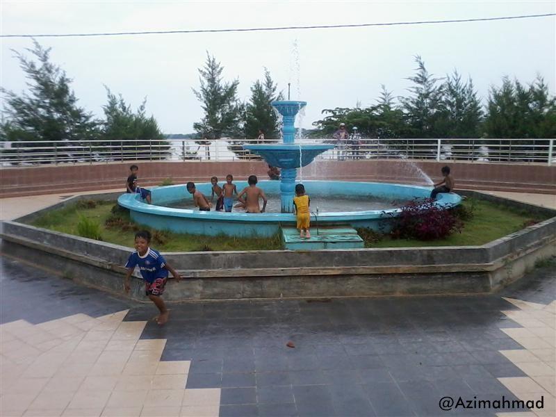 Wisata Pantai Boom Tuban, Air Mancur Wisata Pantai Boom.