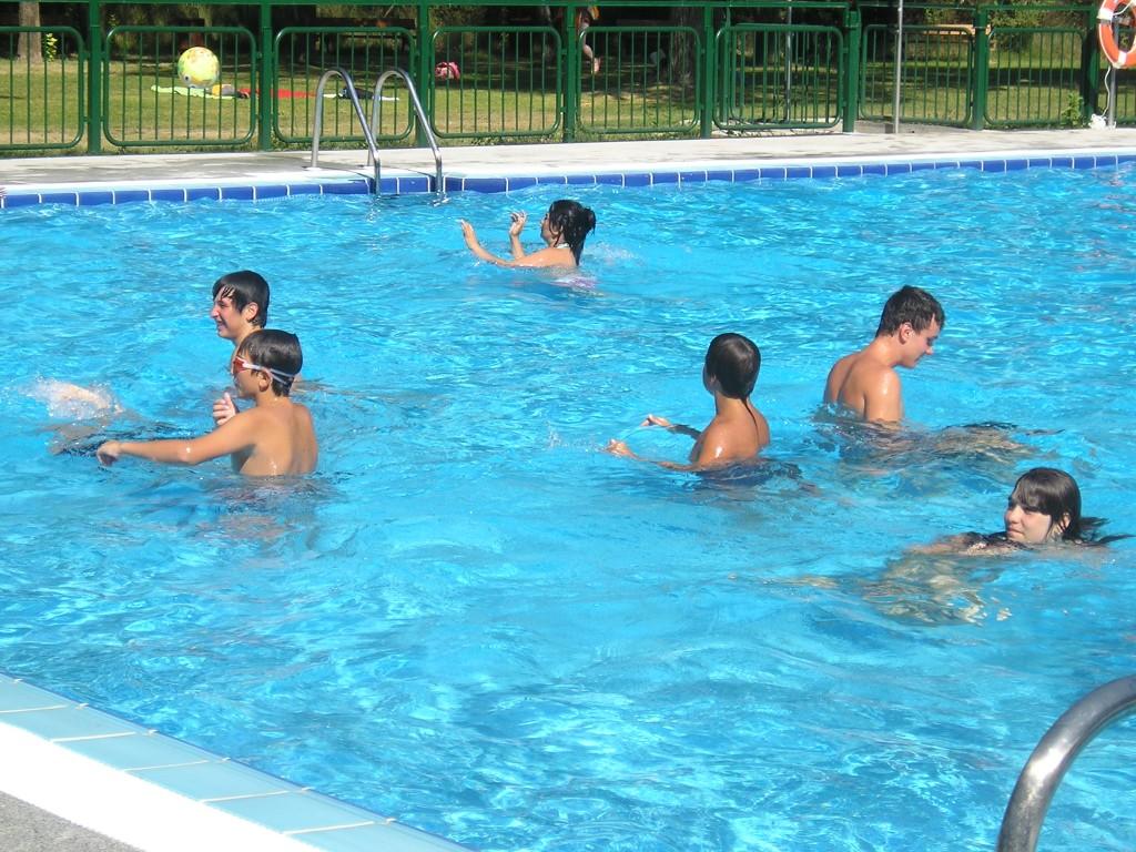 Despierta tu belleza virus y bacterias en las piscinas for Alberca para 8 personas