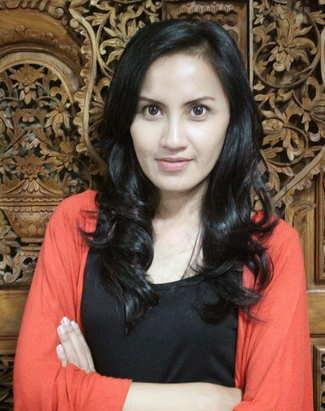 Vina M Verina-sebagai pemeran Esih, Istri Kang Muslihat