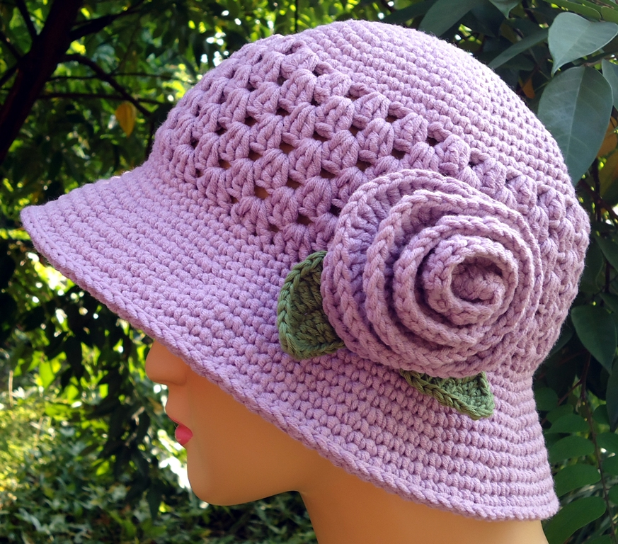 Crochet Pattern Top Hat : Stitch of Love: PATTERN: Crochet Hat for My Mom