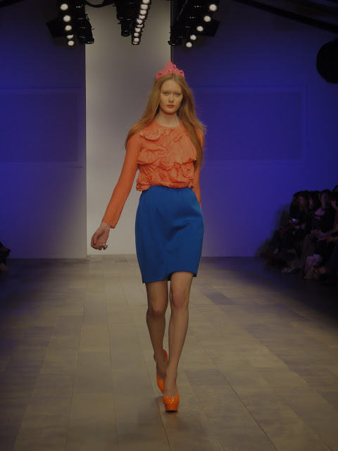London Fashion Week, London Fashion Weekend, London, Fashion, color blocking, spring, summer, orange, pink, blue, shift dress, pumps, high-waist