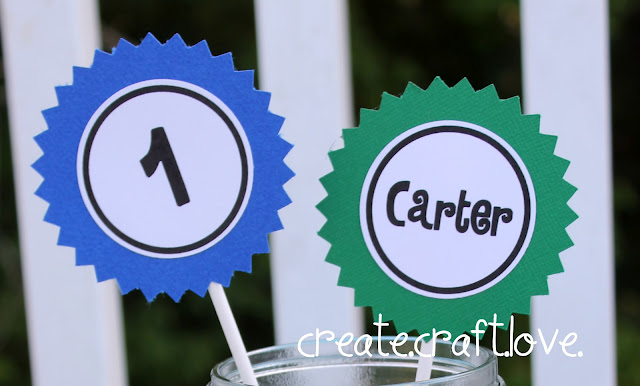 Simple Mason Jar Centerpiece from createcraftlove.com #masonjars #partyideas