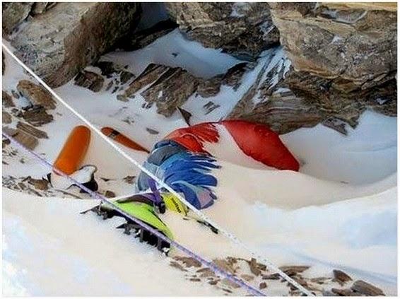 Gambar Mayat Mayat Pendaki Gunung Everest Yang Di Biarkan Bergelimpangan