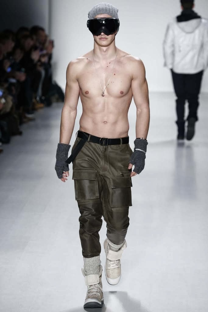 Nautica Men's Spring 2014 Black Sail Fashion Show Posted in Fashion Shows