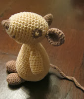 http://www.ravelry.com/patterns/library/olga-la-souris---olga-the-mouse