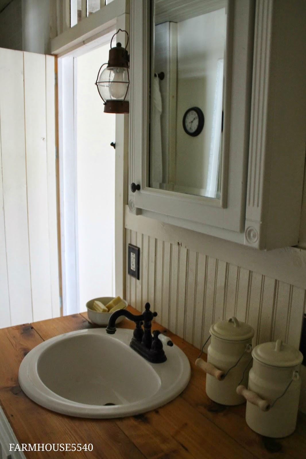 Farmhouse 5540 farmhouse bathroom for Bath farm