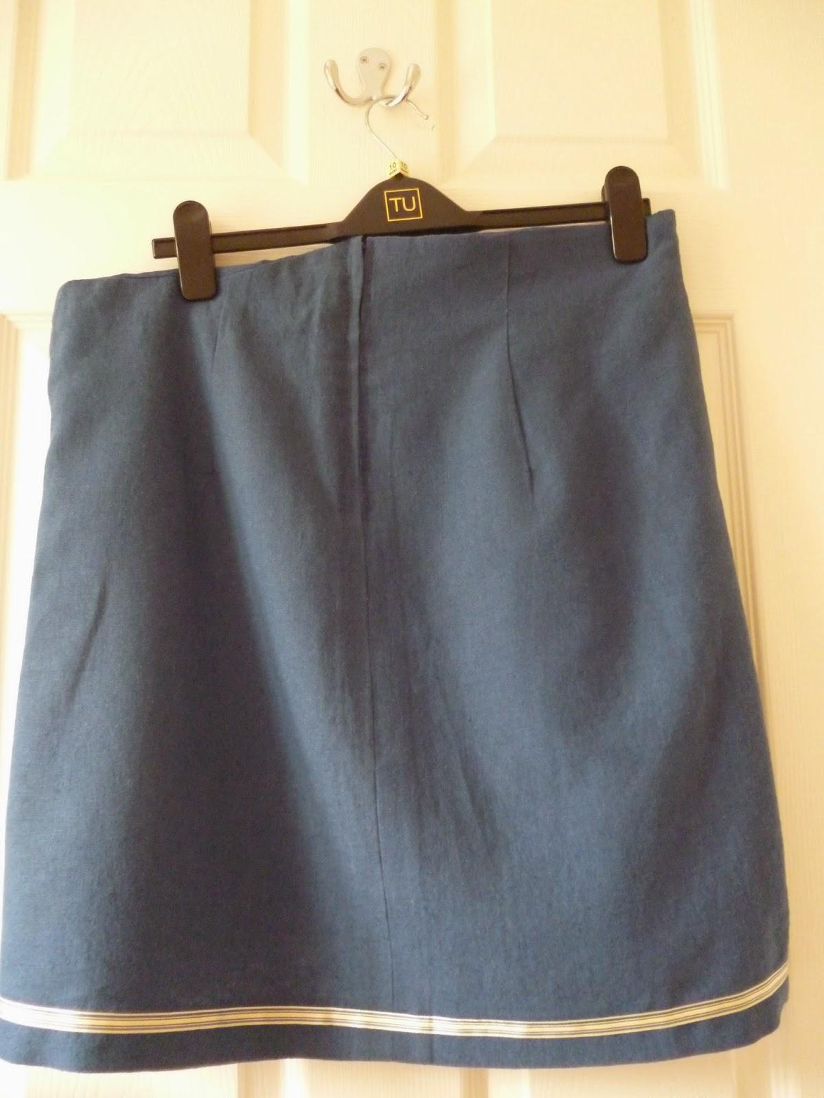 Great British Sewing Bee Macalls 3341 skirt pattern