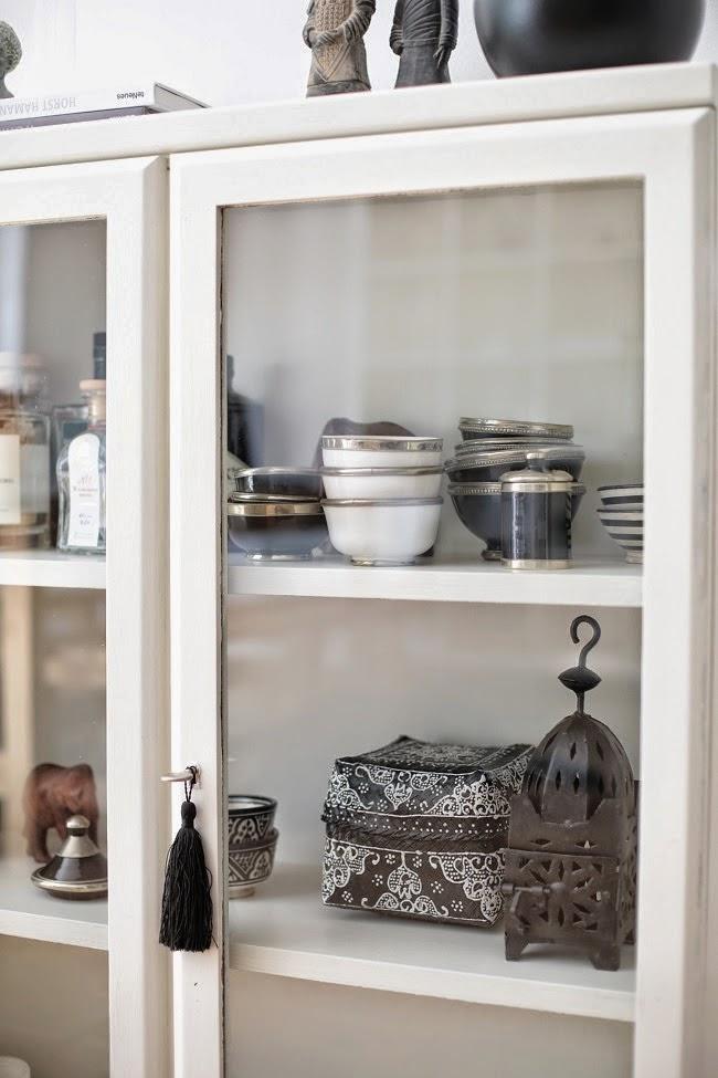 Vitrina coleccion decorar tu casa es - Como decorar una vitrina de comedor ...