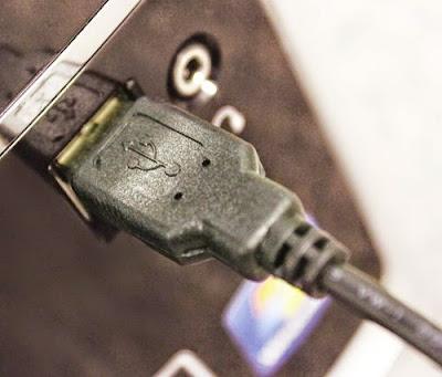 Gỡ bỏ thiết bị USB không đúng cách