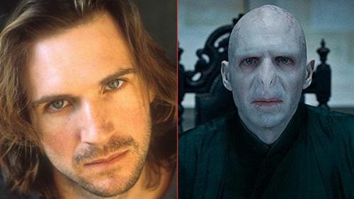 Ralph+Fiennes+ +Lord+Voldemort+Sai+Chul%C3%A9 Atores do Harry Potter quando eram mais jovens