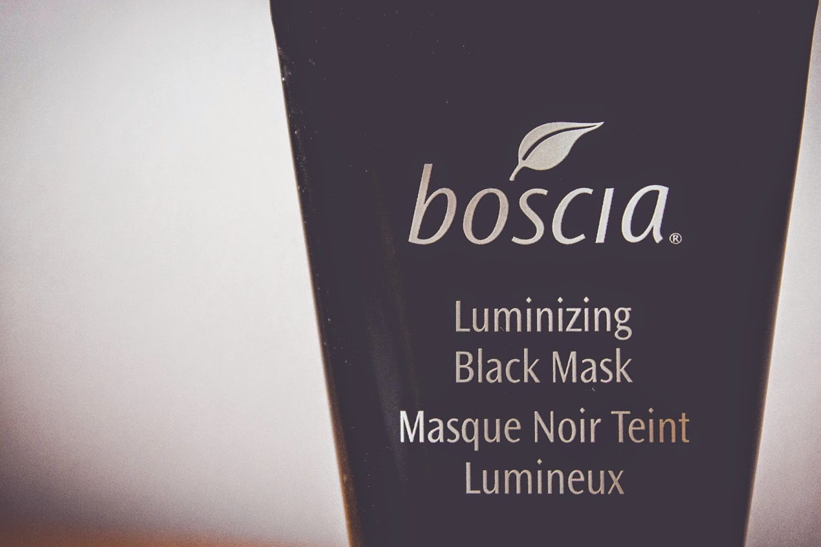 boscia skincare review bestsellers makeup breakup cool cleansing gel konjac sponge charcoal aluminizing black mask photography beauty