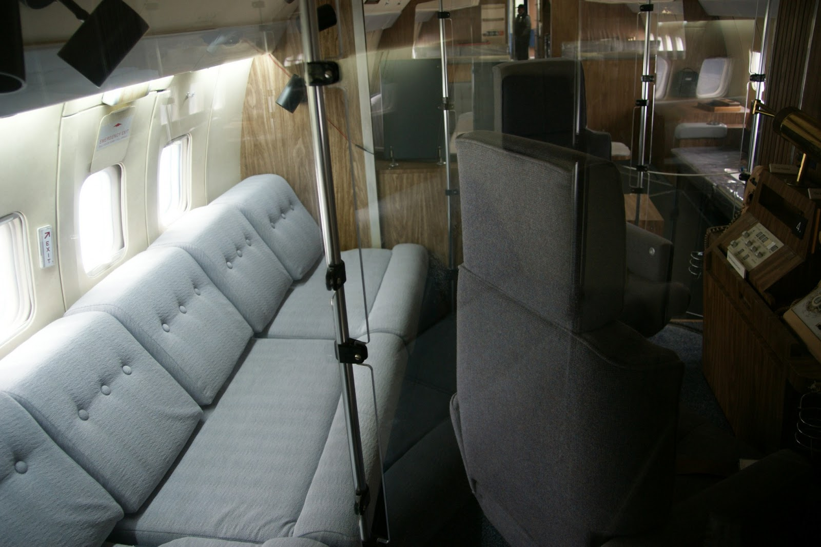 The gallery for inside air force one Air force one interior