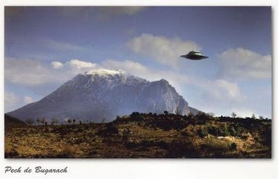 http://1.bp.blogspot.com/-Ysxa4ZrD8Ks/TwjYcO3uhmI/AAAAAAAACLE/oHoAV1UABD8/s400/bugarach_postcard590.jpg
