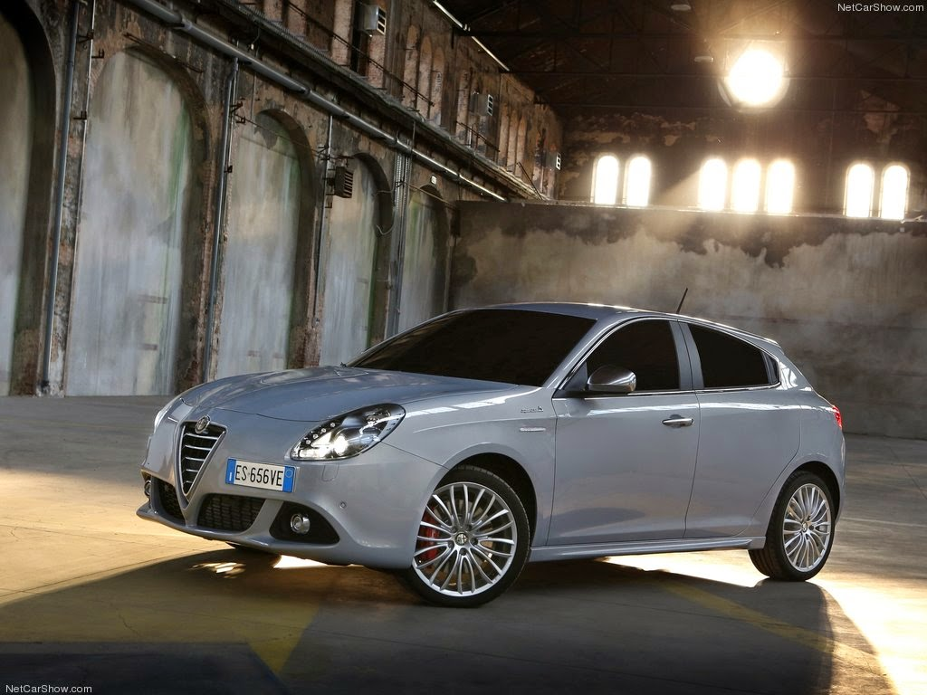 2014 alfa romeo giulietta exterior and interior design. Black Bedroom Furniture Sets. Home Design Ideas