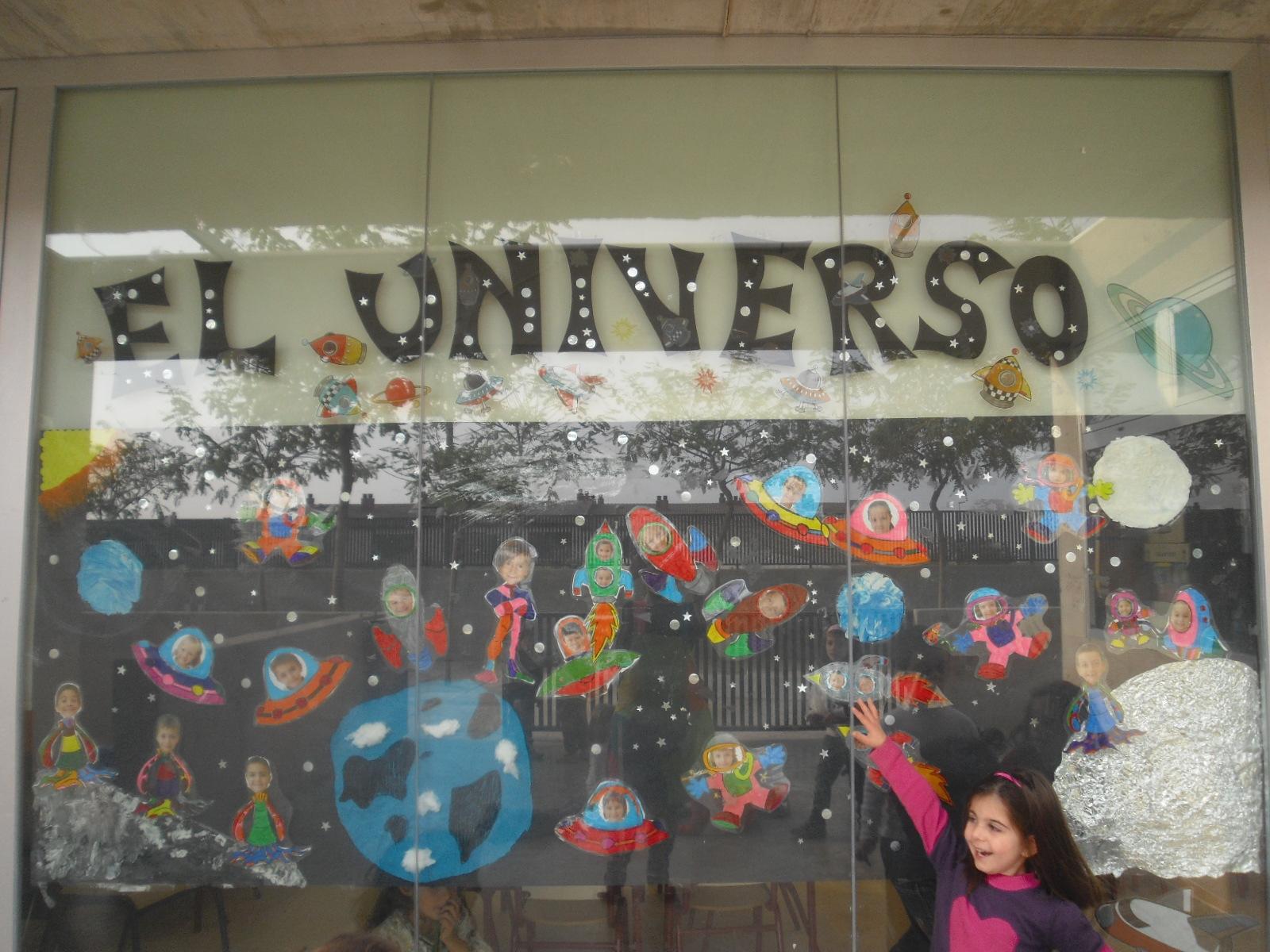 Learning is fun mural sobre el universo para poner las for Decoracion el universo del hogar