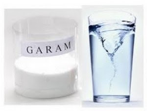 Manfaat berkumur dengan air garam