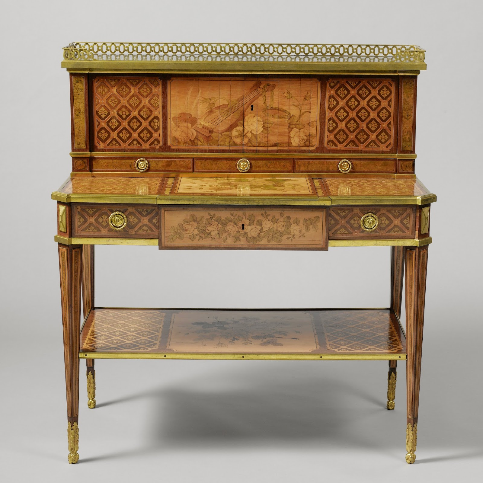 Writing desk with a raised back, Jean-Henri Riesener, c. 1775
